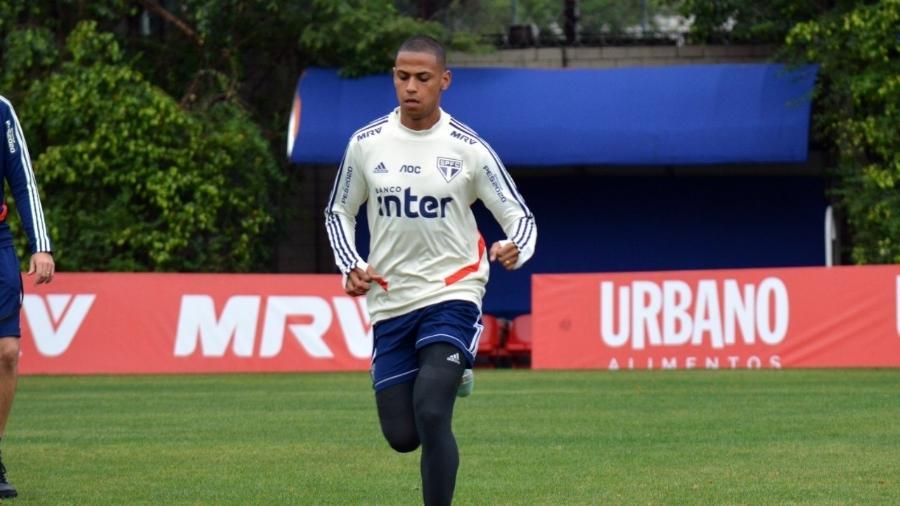 Bruno Alves no CT do São Paulo, na Barra Funda - Érico Leonan / saopaulofc.net