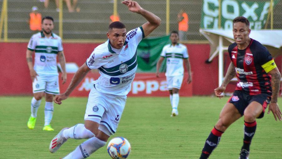 Igor Jesus em ação pelo Coritiba em jogo contra o Vitória - Jhony Pinho/AGIF