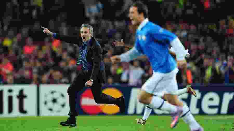 José Mourinho comemora depois de assegurar a classificação da Inter à final da Liga dos Campeões de 2010 - Ben Radford/Getty Images