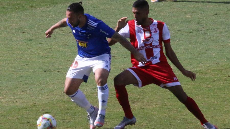 Cruzeiro finalizou sua campanha em casa na Série B com 19 jogos, seis vitórias, sete empates e seis derrotas - Fernando Moreno/AGIF