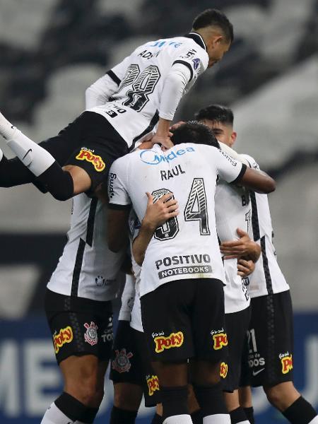 Jogadores do Corinthians comemoram gol marcado contra o River Plate-PAR, pela Copa Sul-Americana - Mauro Horita/Conmebol