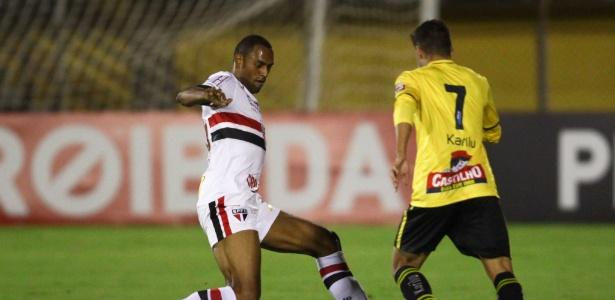 Douglas fez cinco jogos no Paulistão e apenas um no Brasileirão