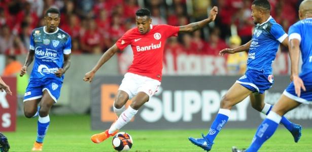 Edenílson estreou pelo Inter contra o Cruzeiro-RS, na última quinta-feira