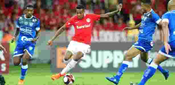 Edenílson estreou pelo Inter contra o Cruzeiro-RS, na última quinta-feira - Ricardo Duarte/Inter - Ricardo Duarte/Inter