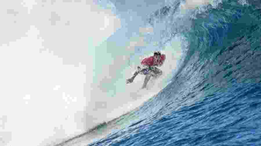 Gabriel Medina, durante onda em Teahupoo, no Taiti - Divulgação/WSL