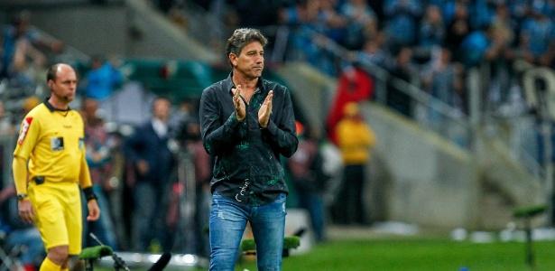 Renato Gaúcho orienta o Grêmio contra o Cruzeiro pela Copa do Brasl
