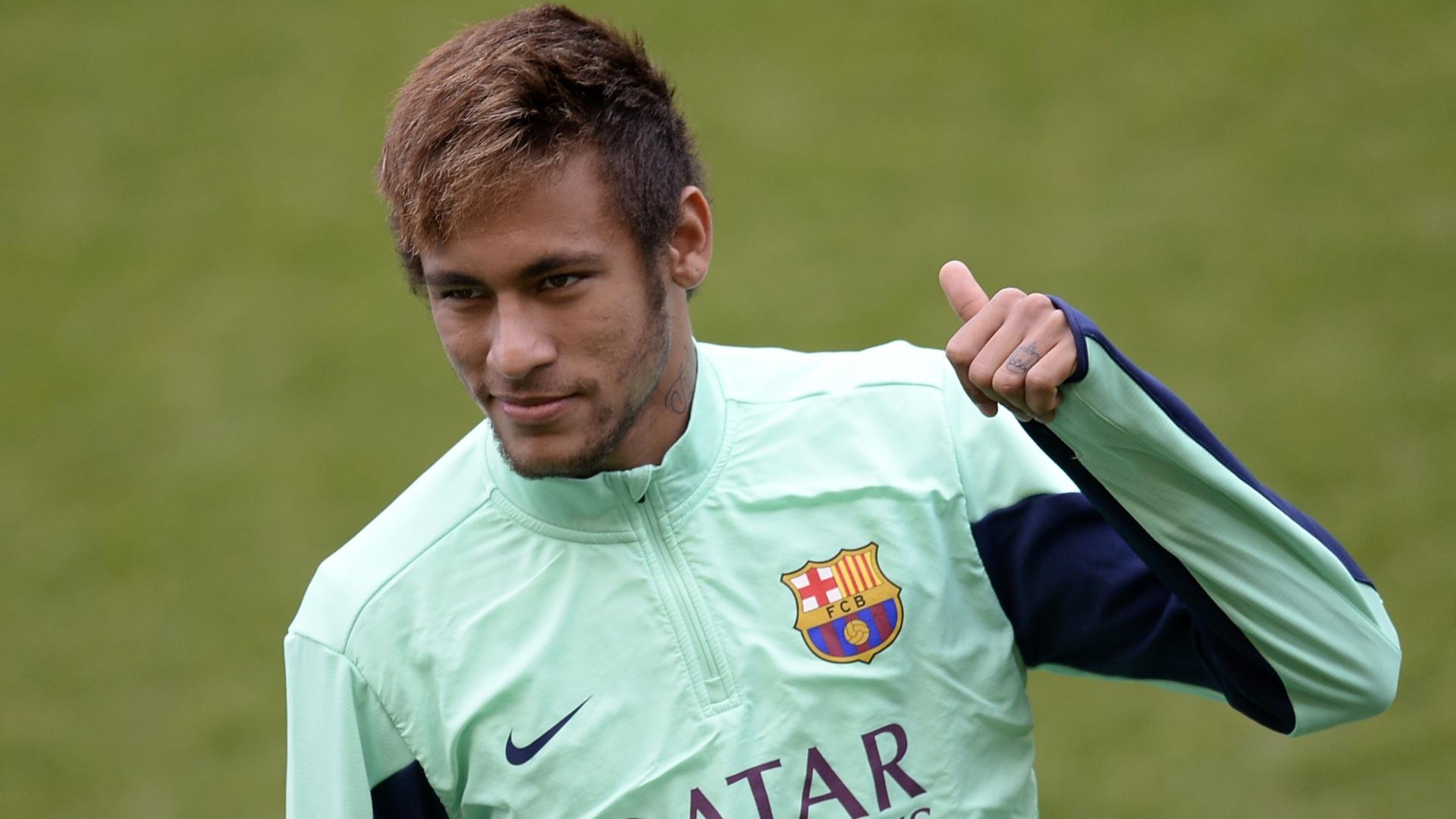 Neymar participa de treino do Barcelona, em janeiro de 2014
