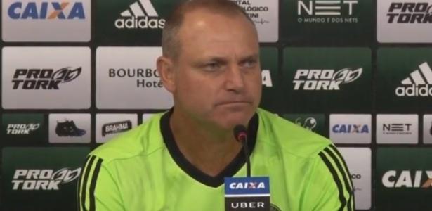 Sandro Forner acabou demitido depois da derrota na estreia pela Série B