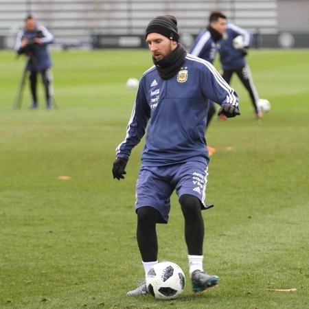 Lionel Messi treina com a Argentina - AFA/Divulgação