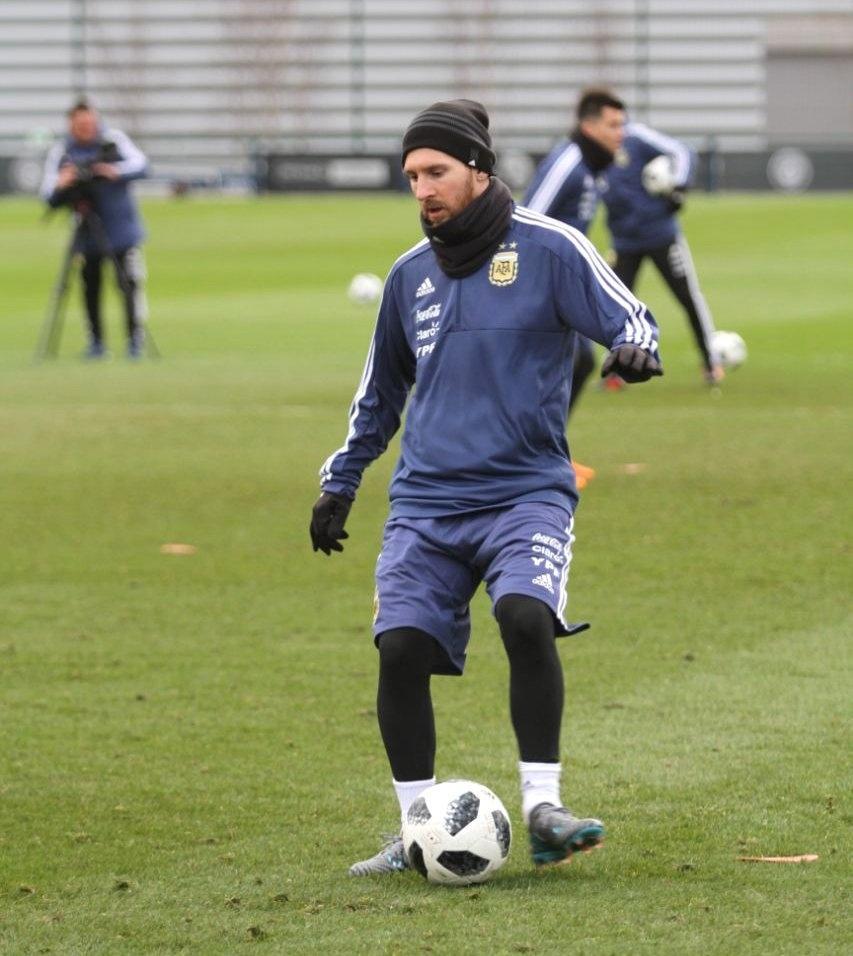 Argentina na Copa 2018  Argentina vai usar amistoso com Espanha para  promover candidatura de 2030 - UOL Copa do Mundo 2018 eb9d7d7f88