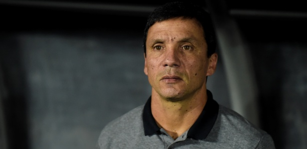 Técnico Zé Ricardo não está satisfeito com os seguidos atrasos de salário no Botafogo - Thiago Ribeiro/AGIF