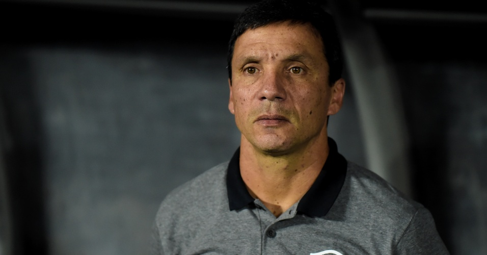 Zé Ricardo, técnico do Botafogo, durante jogo contra o Cruzeiro