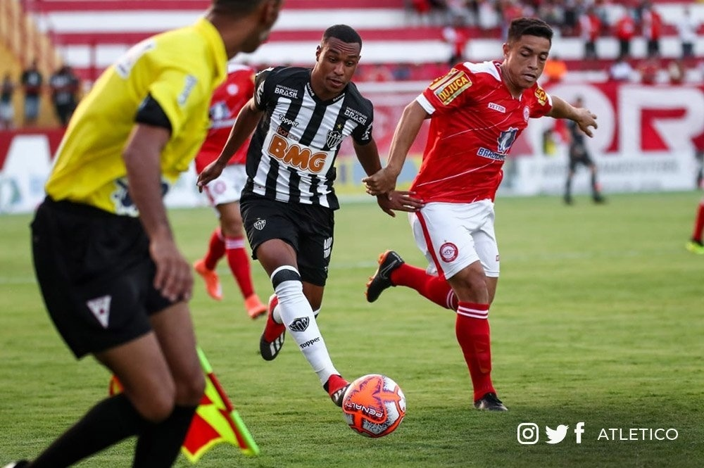 Atlético-MG poupa titulares e perde para o Tombense com gol de Juan -  Esporte - BOL 3f0f3e7e195fe