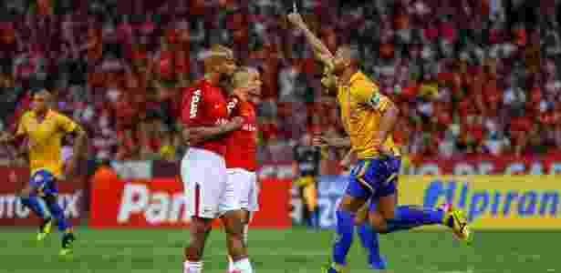Inter saiu na frente, mas Pelotas fez 2 a 1 em pleno Beira-Rio na bola parada - Jeferson Guareze/AGIF