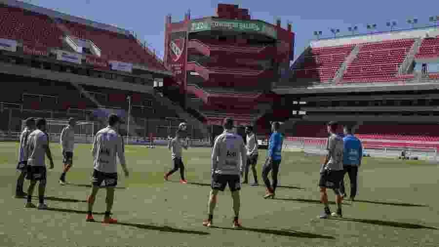Atividade ocorreu no estádio Libertadores de América, do Independiente, clube rival do Racing e vizinho em Avellaneda - Daniel Augusto Jr.