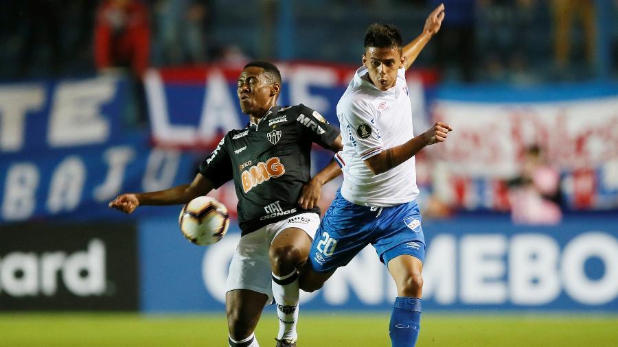 Elias atua como titular do Atlético-MG, mas já desempenhou mais de uma função na equipe - REUTERS/Andres Stapff