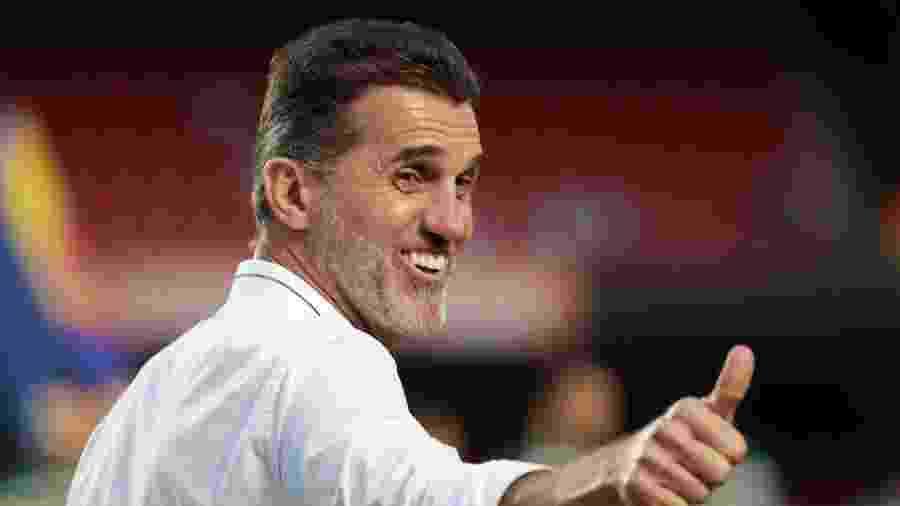 Vagner Mancini sorri antes do clássico entre São Paulo e Palmeiras - Marcello Zambrana/AGIF