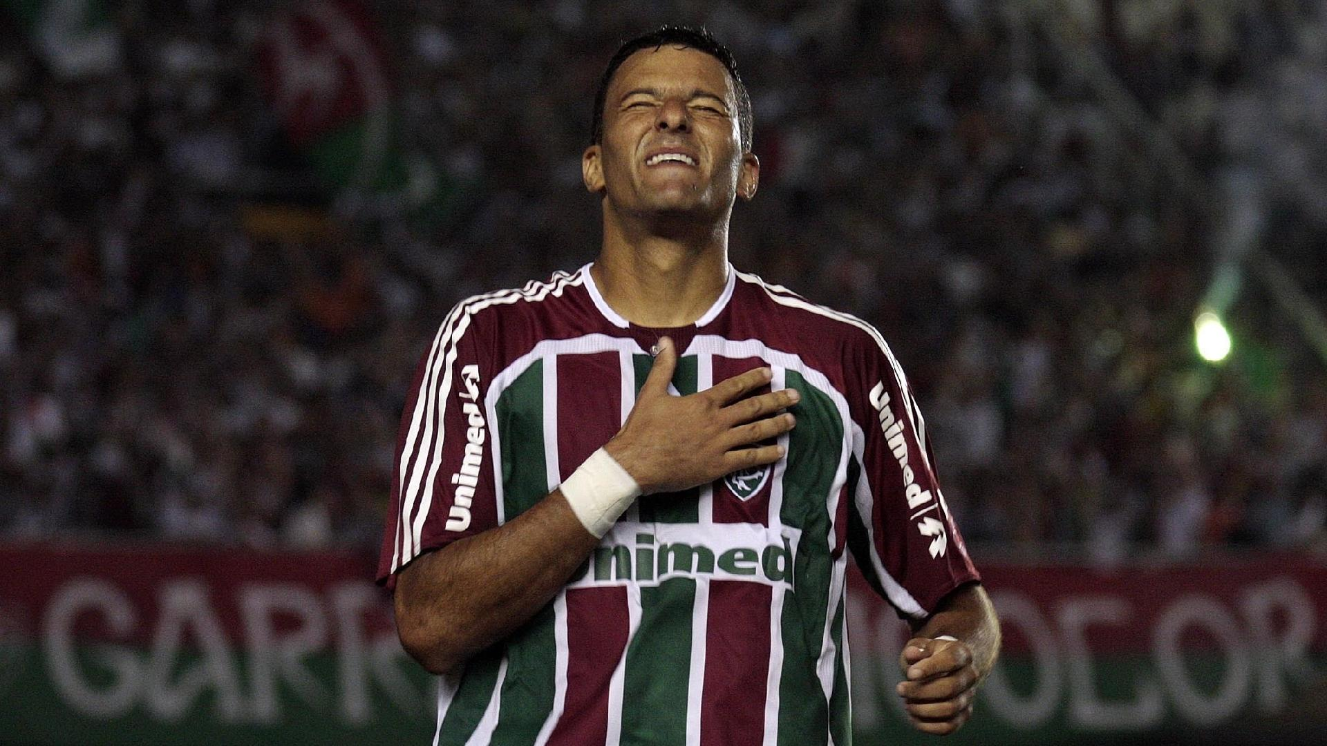 Washington comemora gol pelo Fluminense