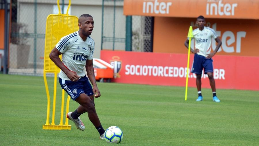 Jonas Toró tem proposta do Bahia no mercado da bola, mas pode ficar no São Paulo a pedido da comissão técnica - Érico Leonan / saopaulofc.net