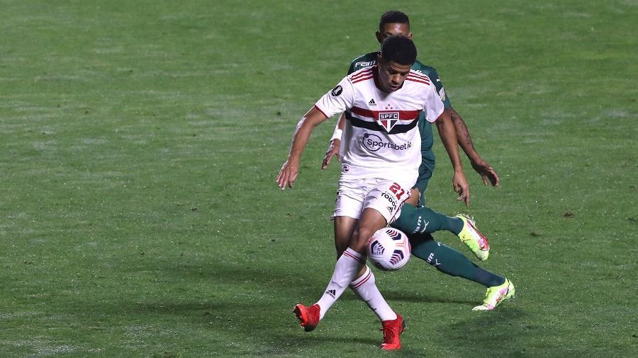 Gabriel Sara é uma das novidades do São Paulo contra o Atlético-GO - Rubens Chiri/São Paulo FC