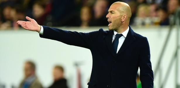 Zidane defendeu o lateral Danilo