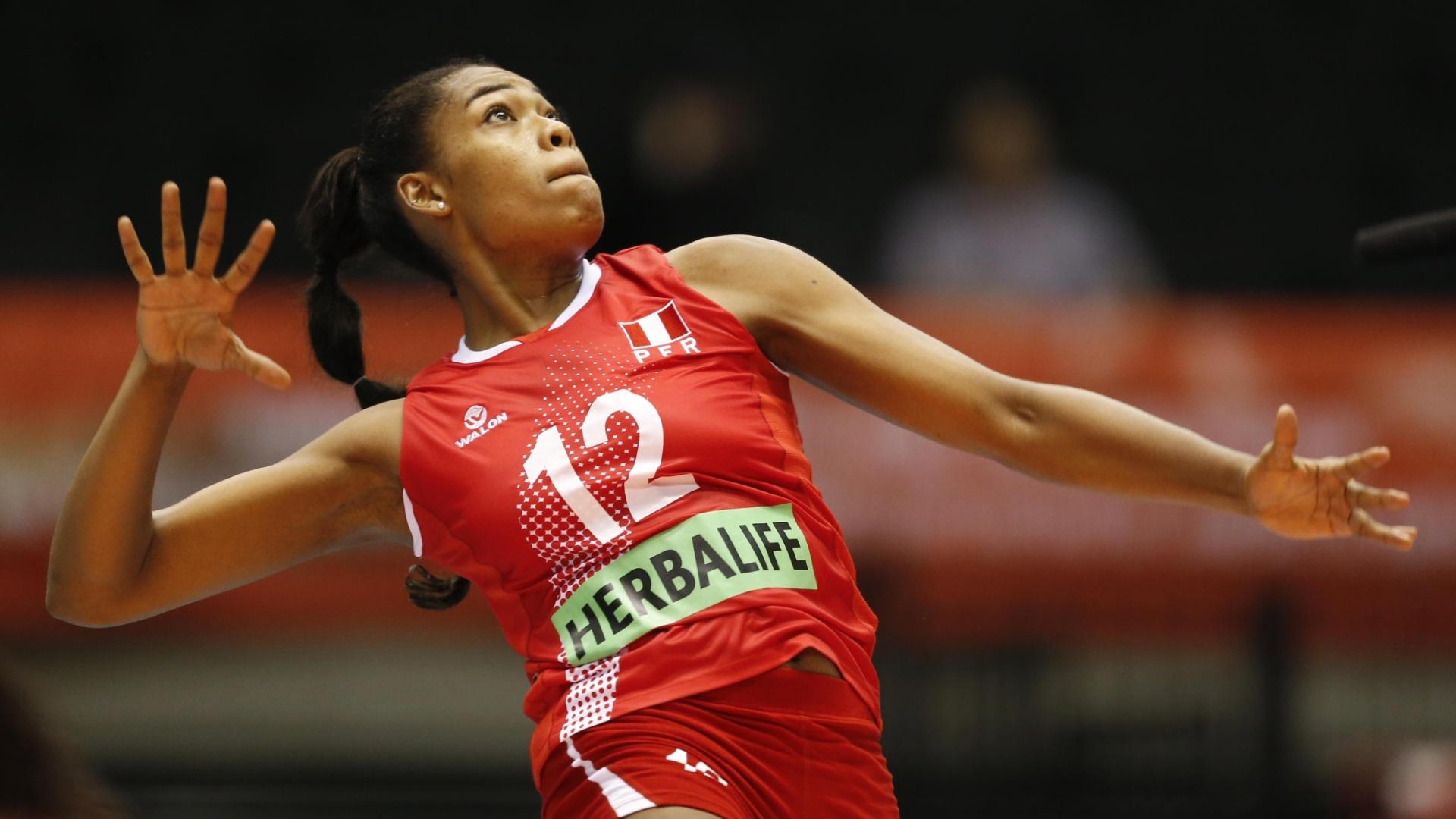 Angela Leyva, jogadora de vôlei peruana
