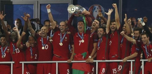 'Dizer que vamos ganhar uma Copa do Mundo é complicado', afirma camisa 7