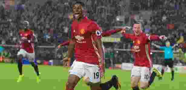 Rashford é reserva do United, mas já tem dois gols na temporada - LINDSEY PARNABY/AFP