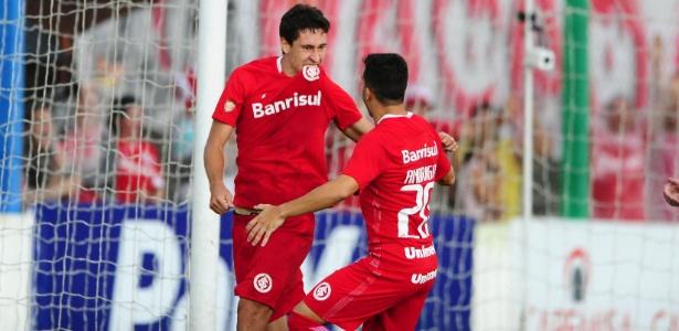 Rodrigo Dourado comemora gol do Inter contra o Veranópolis