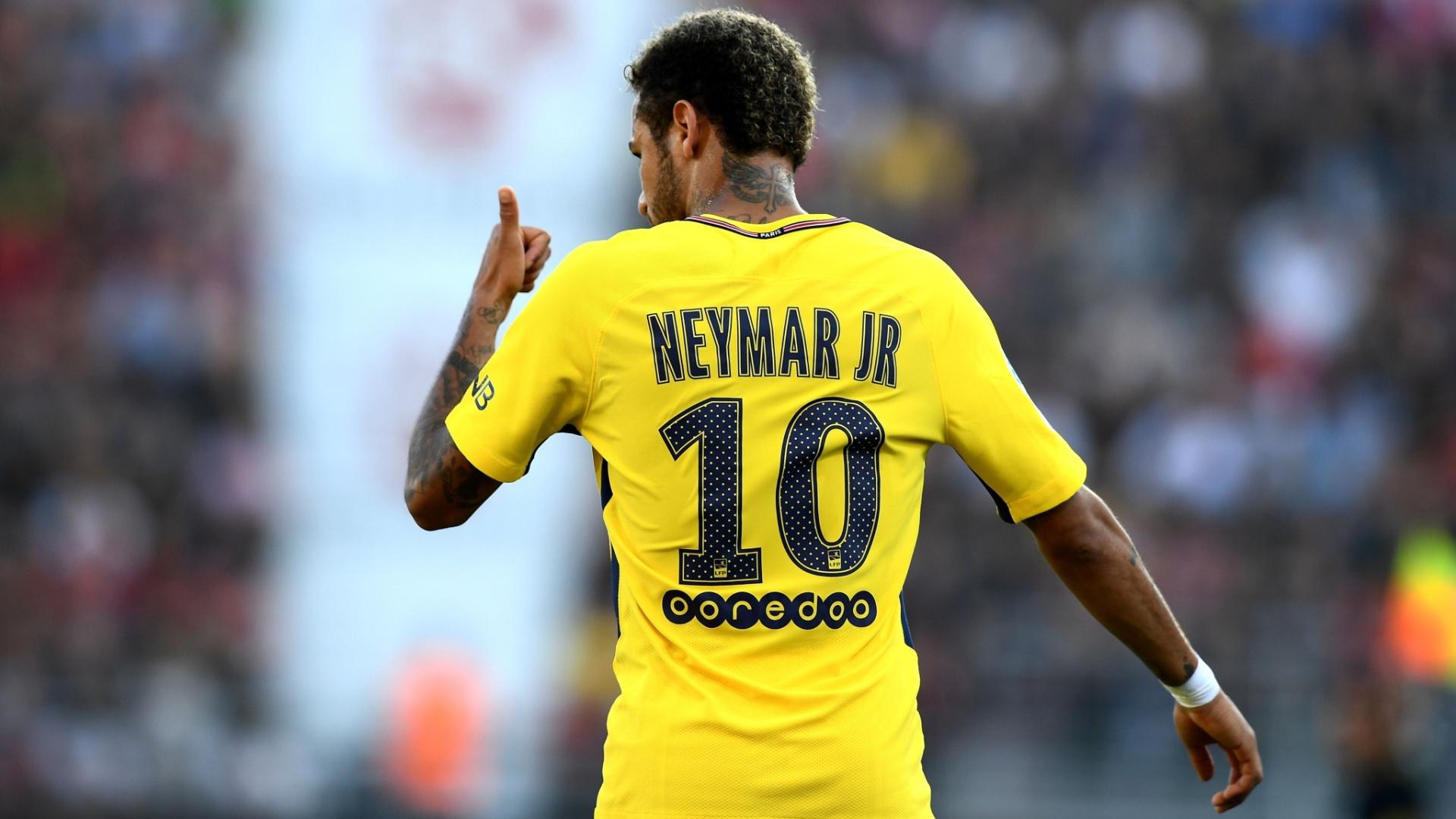 Neymar durante vitória do PSG sobre o Dijon pelo Campeonato Francês