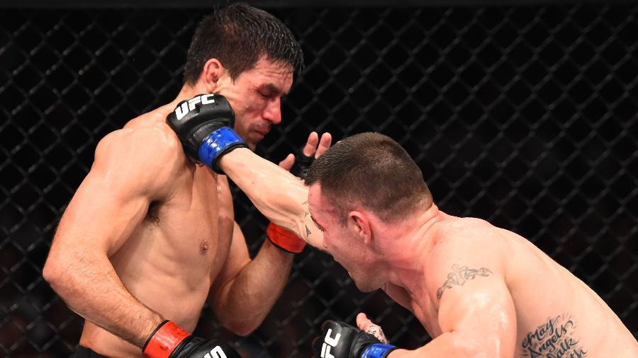 Colby Covington acerta soco no rosto de Demian Maia no UFC São Paulo - Josh Hedges/Zuffa LLC/Zuffa LLC via Getty Images