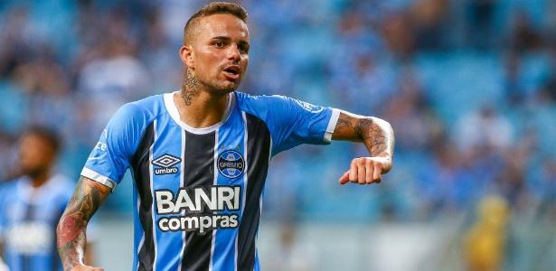 Recuperado de edema na coxa direita, Luan volta ao Grêmio após dois jogos
