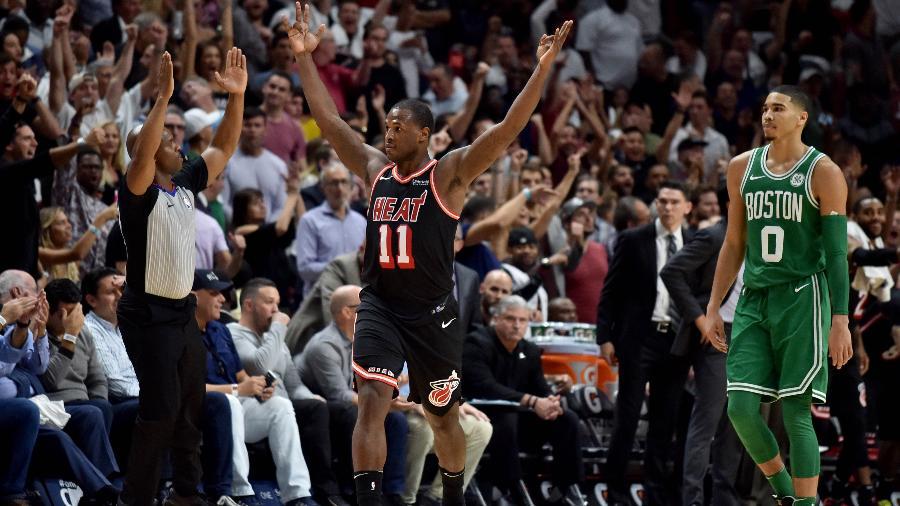 Dion Waiters comemora cesta de três pontos do Miami Heat contra o Boston Celtics - Steve Mitchell/USA TODAY Sports