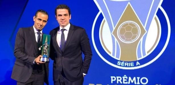 Guilherme Dias Camilo (esquerda) foi eleito melhor assistente do último Brasileirão