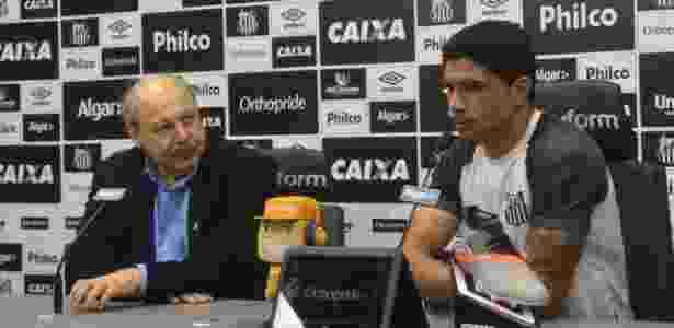 José Carlos Peres e Renato concederam coletiva para anunciar a novidade - Divulgação/Santos FC