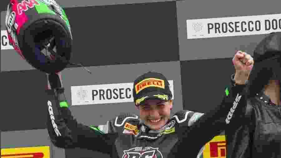 Espanhola se torna a primeira mulher a vencer mundial de motovelocidade.  Reprodução Instagram 4f0372a6137e9
