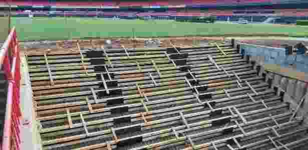 Escadaria do novo túnel de acesso ainda precisar ser finalizada - Arquivo Pessoal/Julio Prieto