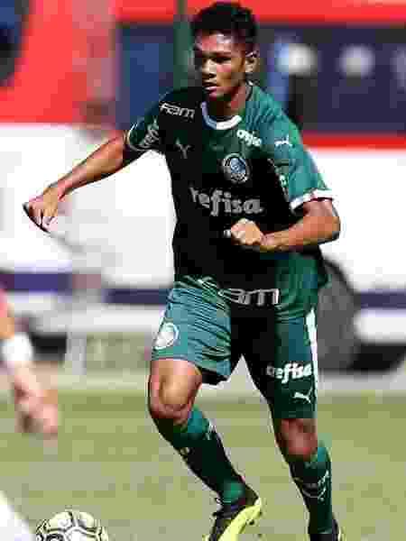 a7c402ef26 Palmeiras  Seleção tem novo Daniel Alves. Dessa vez na base e fã de ...