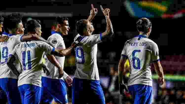 Everton comemora gol durante Brasil x Bolívia pela Copa América - Lucas Lima/UOL - Lucas Lima/UOL