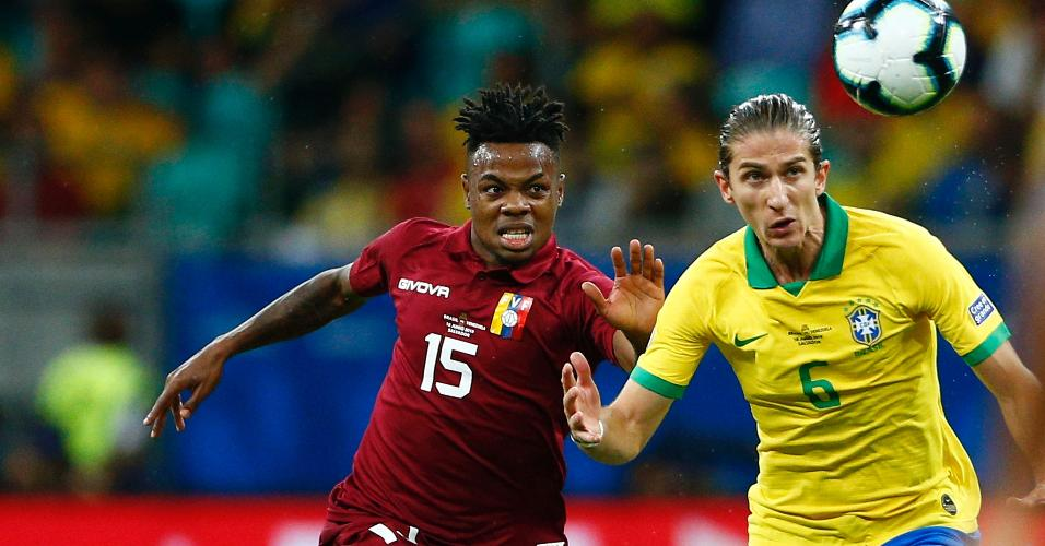 Filipe Luís, durante partida entre Brasil e Venezuela