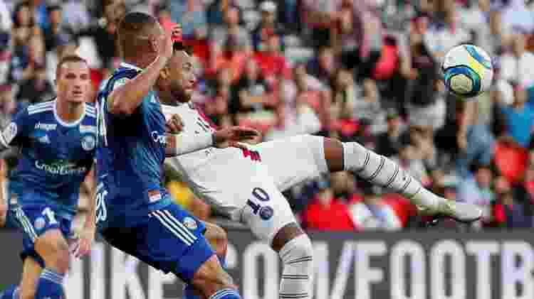 Pintura de Neymar garantiu a vitória do PSG contra o Strasbourg no Campeonato Francês - GONZALO FUENTES / REUTERS - GONZALO FUENTES / REUTERS