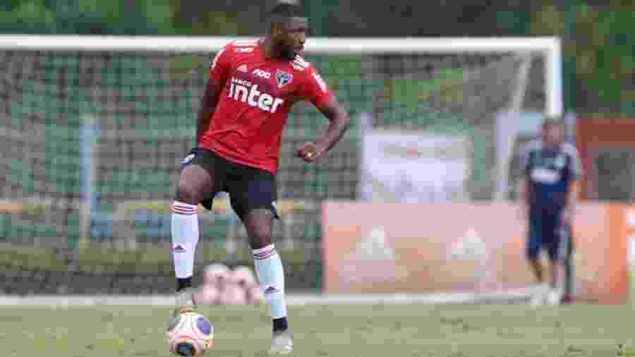 Jucilei está no São Paulo desde o início de 2017 e tem contrato até dezembro do próximo ano - Rubens Chiri/saopaulofc.net