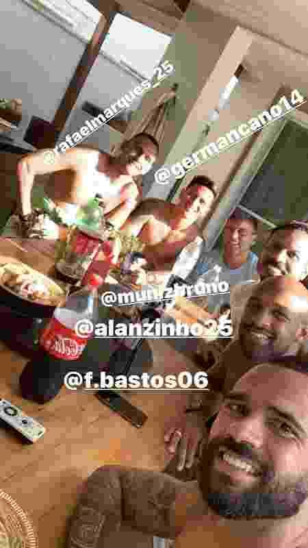 Castan em domingo de folga com German Cano, Fellipe Bastos e outros: preocupação com a ambientação do argentino - Instagram / Leandro Castan