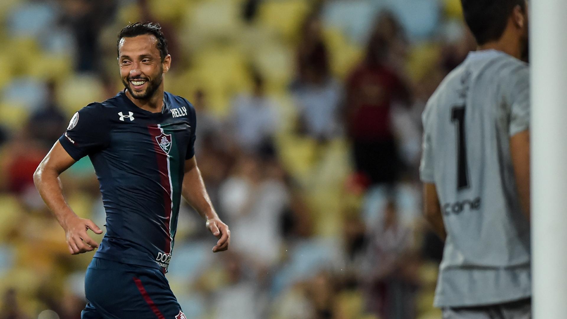 Nenê comemora depois de anotar o seu gol no duelo entre Fluminense x Resende
