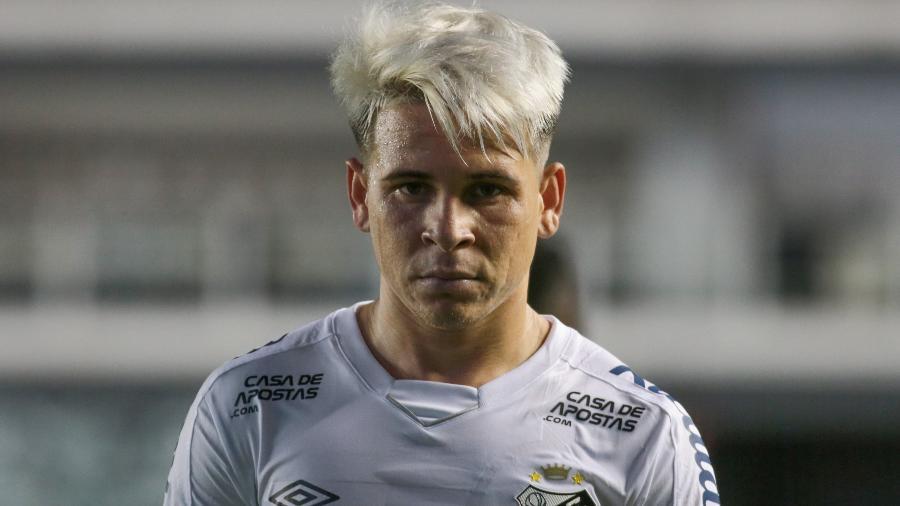 Soteldo durante o duelo entre Santos e Delfín pela Libertadores - Marcello Zambrana/AGIF