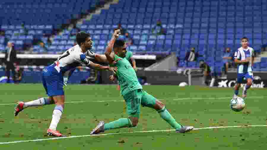 Casemiro marca para o Real Madrid contra o Espanyol, pelo Campeonato Espanhol - David Ramos/Getty Images