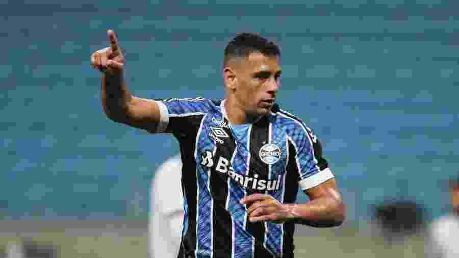 Diego Souza, do Grêmio, durante partida contra Novo Hamburgo pelo campeonato Gaúcho - Everton Silveira/Agência Estado