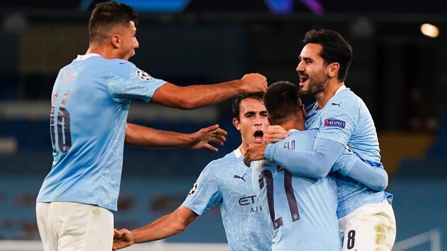 Gündogan comemora o segundo gol do City sobre o Porto - Tim Keeton / POOL/EFE