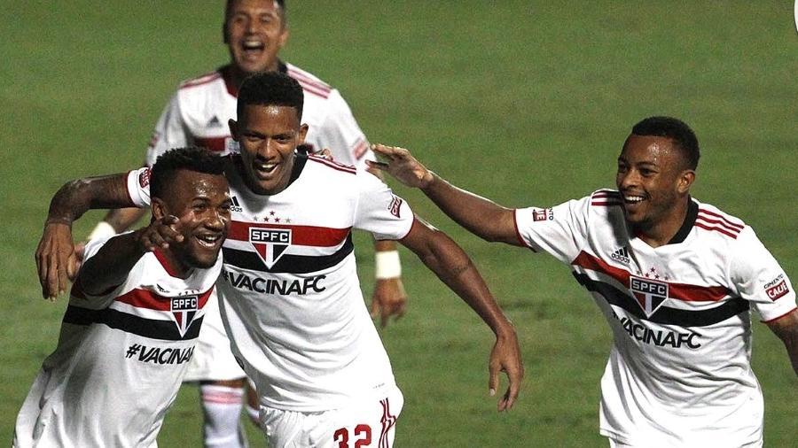 Jogadores do São Paulo comemoram gol na vitória por 3 a 0 contra o Ituano, pelo Campeonato Paulista - Divulgação / São Paulo FC