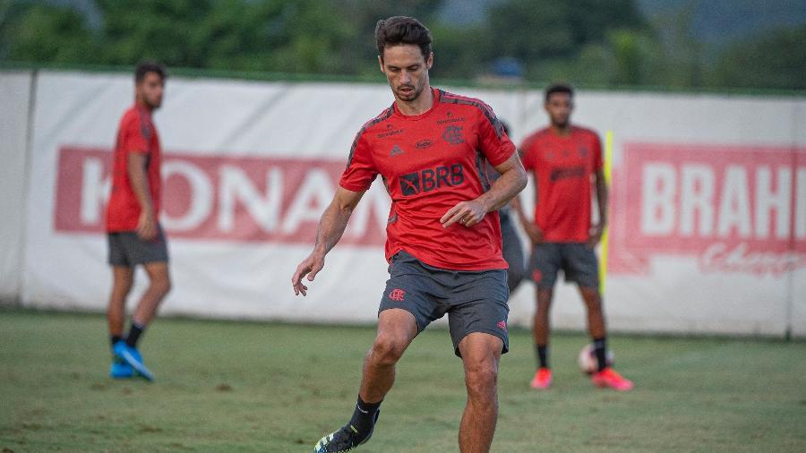 Zagueiro Rodrigo Caio durante treino do Flamengo no Ninho do Urubu - Alexandre Vidal/Flamengo